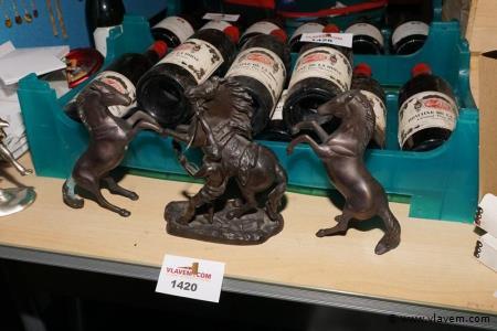 Oude bronskleurige beeldjes H 20 cm 3 stuks