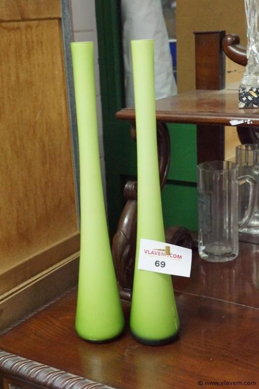 Vazen in groen glas