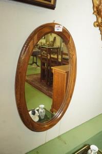 Spiegel in houten kader