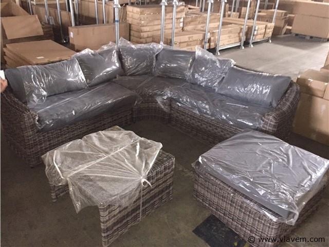 lounge set met rond vlechtwerk
