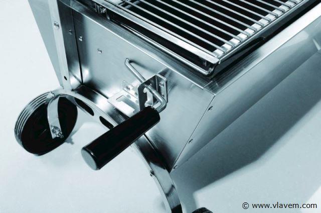Houtskool barbecue met motor